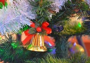 Für Weihnachtshektiker kann ein künstlicher Weihnachtsbaum das Richtige sein